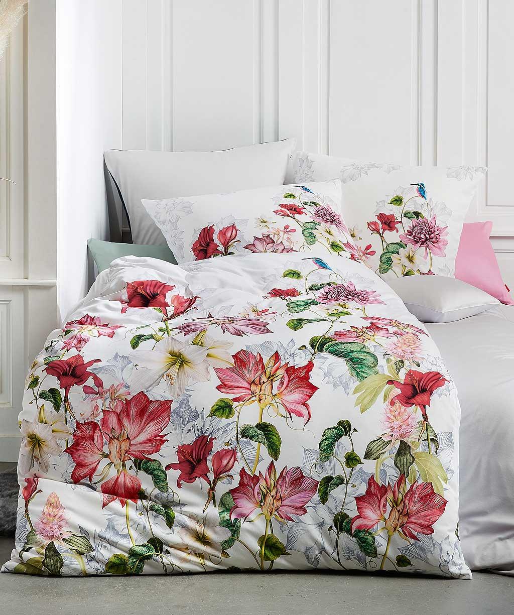 Rote Blumenbettwäsche aus hochwertigem bügelfreien Interlock Jersey