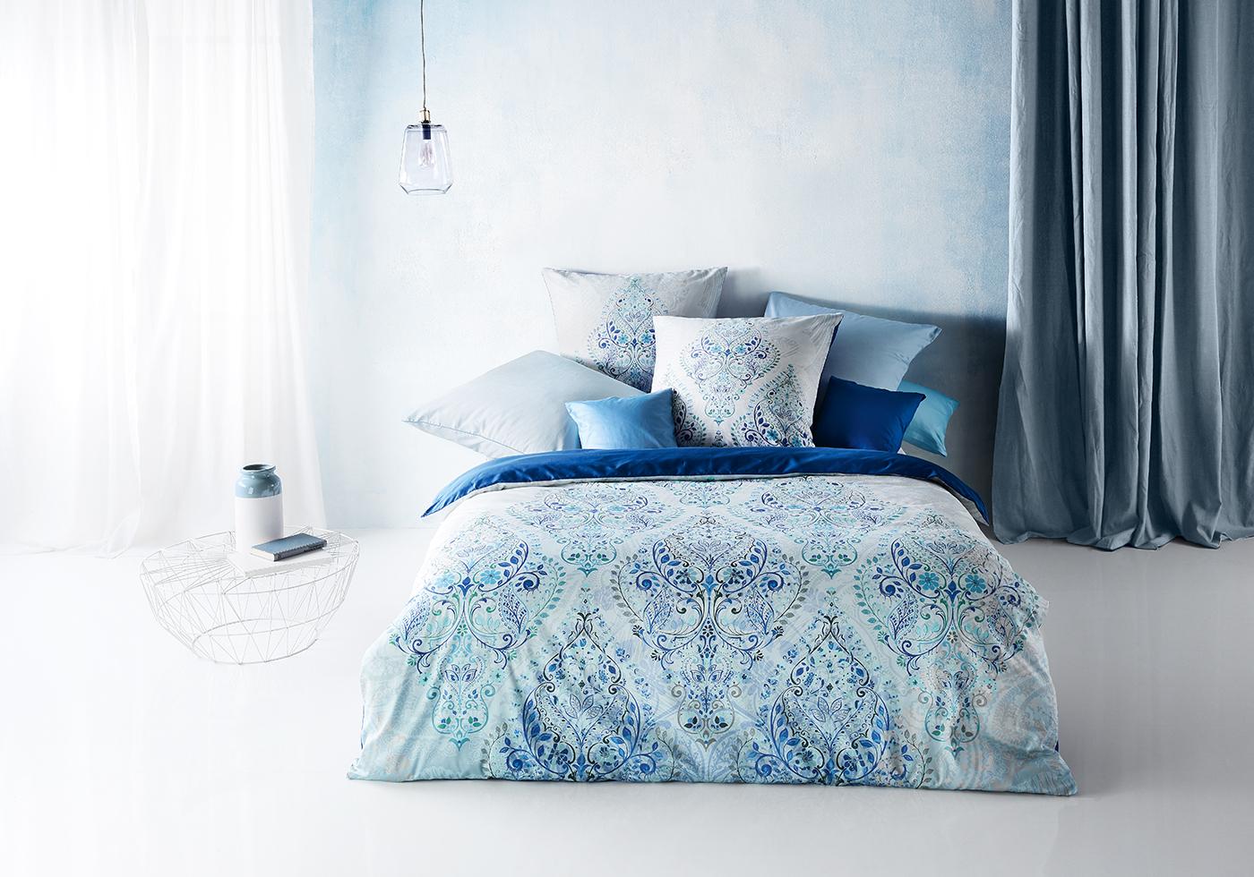 Blaue fleuresse Satin Bettwäsche mit Ornamenten