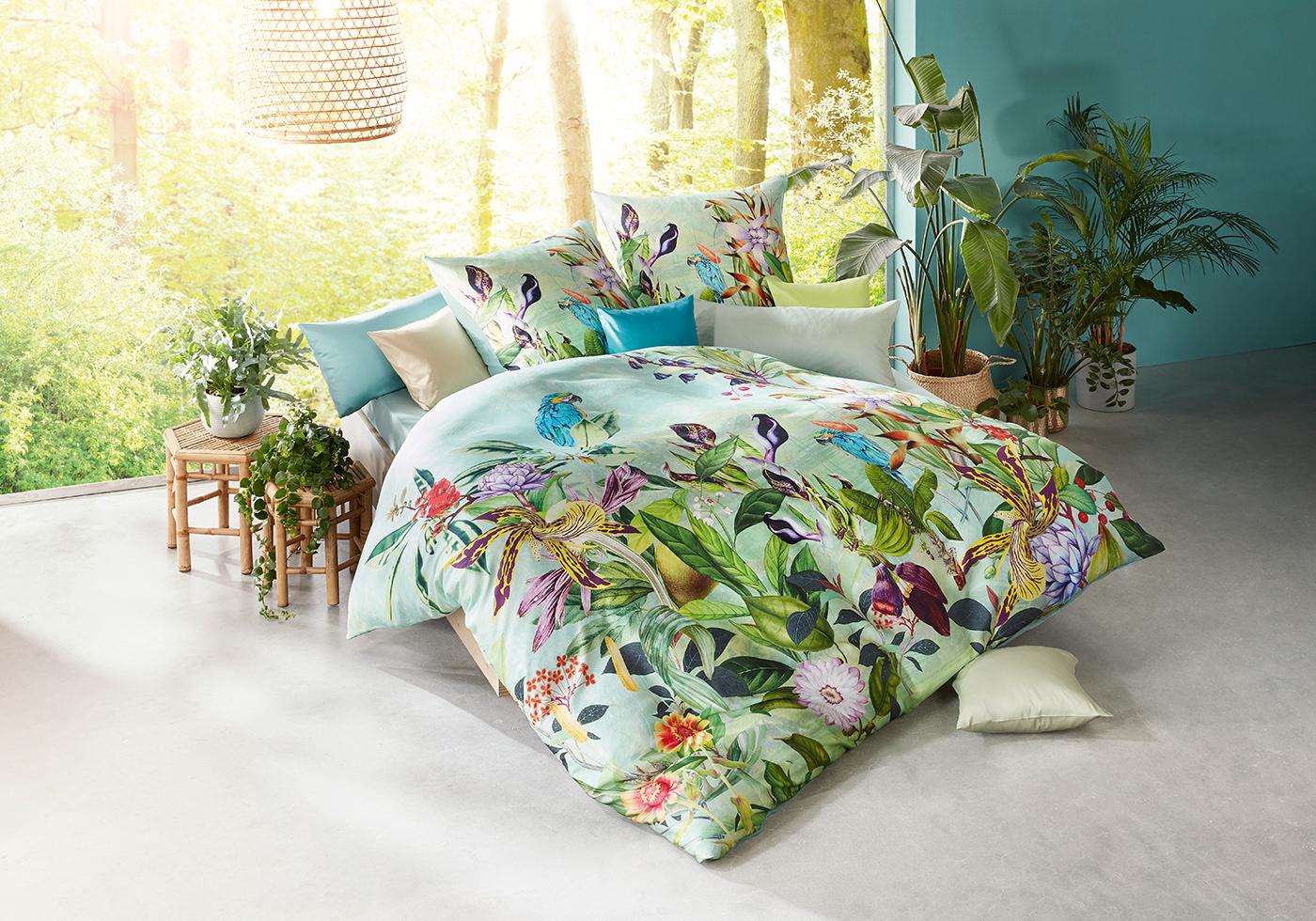 Grüne Satin Bettwäsche im exotischen Look