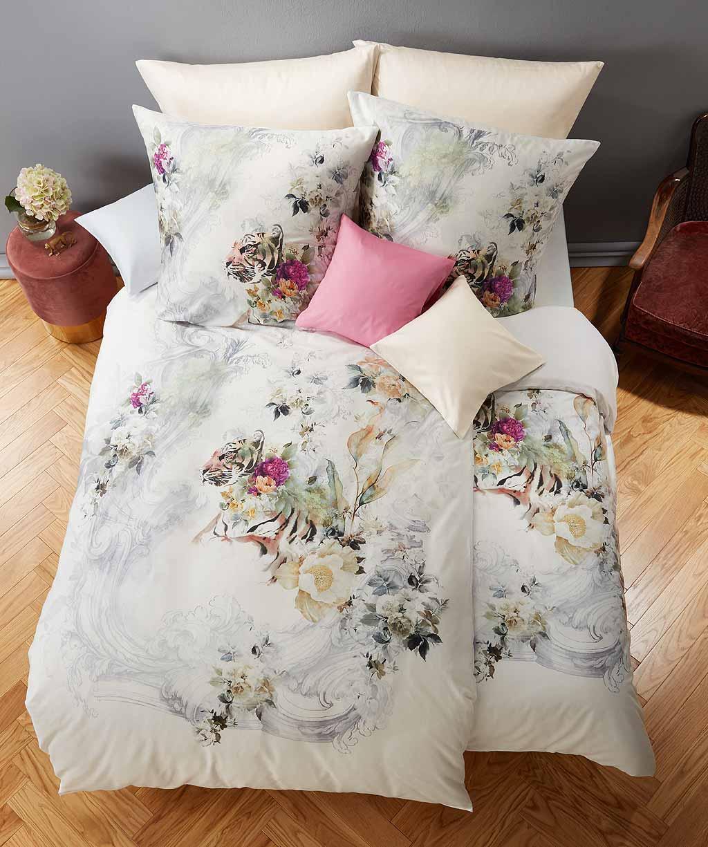 Hochwertige Digitaldruck Bettwäsche mit Tiger und Blumen verziert
