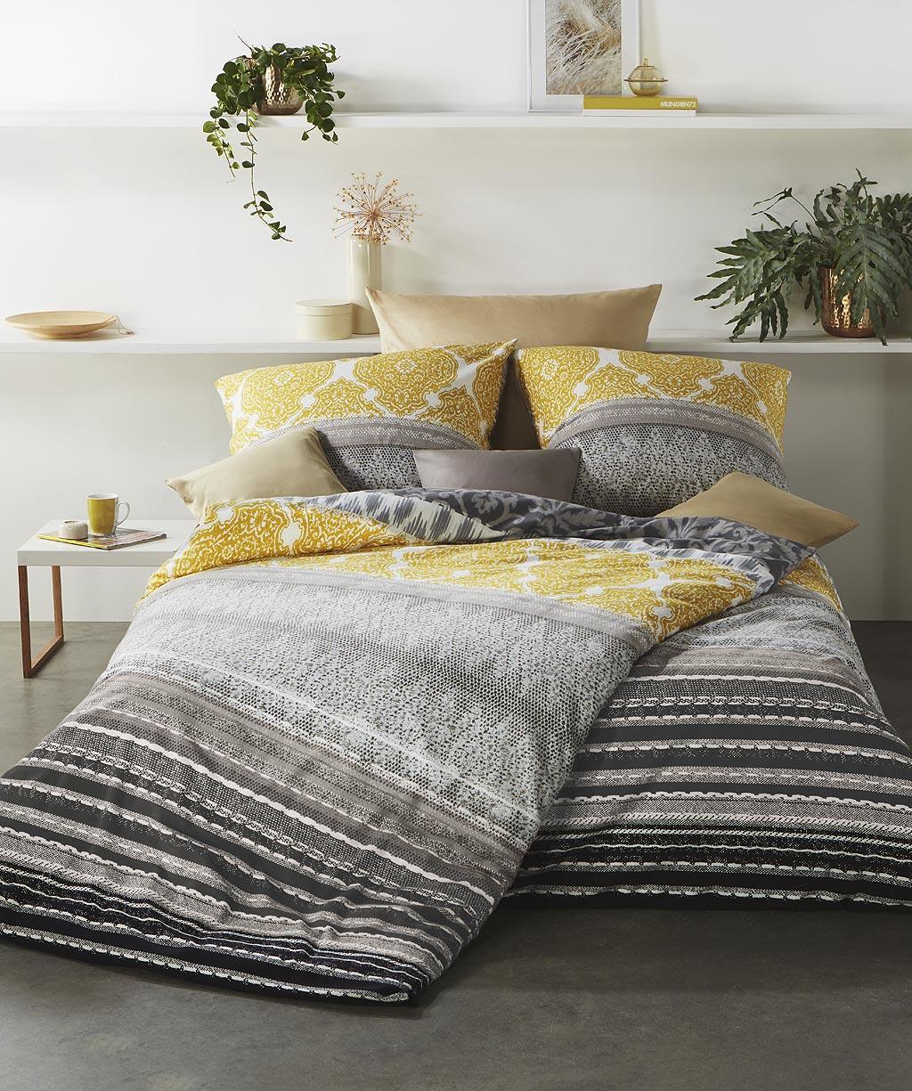 Winterbettwäsche mit gelb grauen Ornamenten aus Fein-Biber