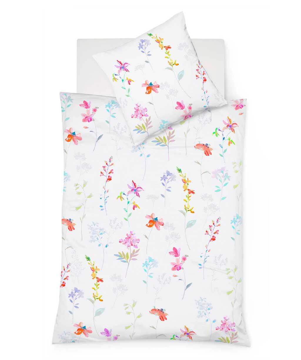 Sommerlich leichte Mako Batist Bettwäsche mit zarten Blumen