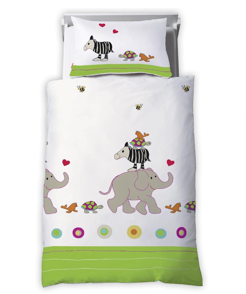 Liebevoll bedruckte Kinderbettwäsche mit Elefant, Zebra und anderen Tieren
